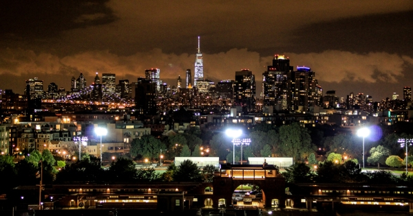 Manhattan skyline by night 3 px