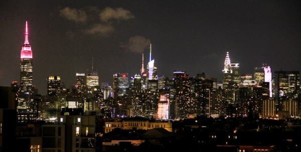 Manhattan skyline by night 4 px